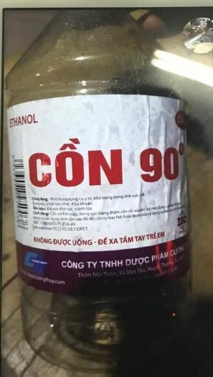 Ngang nhiên sản xuất cồn chứa methanol gây chết người giữa Thủ Đô