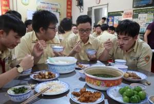 TPHCM: Hiệu trưởng phải chịu trách nhiệm nếu xảy ra ngộ độc thực phẩm