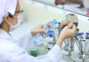 Quản lý chất lượng nước đóng chai, đóng bình: Triệt tận gốc hàng giả, hàng nhái