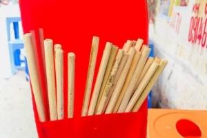 Cách sử dụng đũa ăn dùng một lần an toàn nhất, tránh ung thư gan