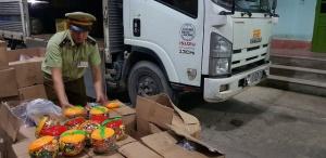"""Lạng Sơn: Ngăn chặn gần 300 kg kẹo cao su """"bẩn"""" nhập lậu"""