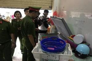 Hà Nội: Công an kiểm tra cơ sở bạch tuộc bẩn, chủ cơ sở chối phăng