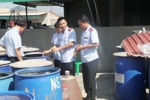 Dùng phẩm nhuộm phát huỳnh quang chế biến mắm tôm