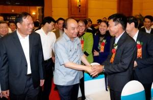 Thủ tướng Nguyễn Xuân Phúc: Phải tìm mọi cách tháo gỡ khó khăn để phát triển nông nghiệp