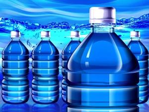 Phát hiện nước uống đóng bình và nước đá dùng liền chứa vi khuẩn vượt giới hạn