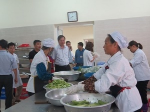 Xử phạt 3 bếp ăn bệnh viện vi phạm quy định về an toàn thực phẩm