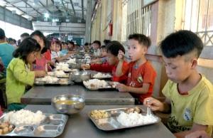 Bảo đảm an toàn vệ sinh thực phẩm cho trẻ em dân tộc thiểu số