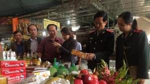 Hà Tĩnh: Xử phạt và tiêu hủy hàng hóa không đảm bảo An toàn vệ sinh thực phẩm mùa Lễ hội Xuân 2017