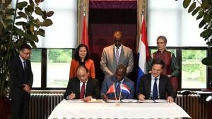 Việt Nam Hà Lan ký bản ghi nhớ về quản lý an toàn thực phẩm