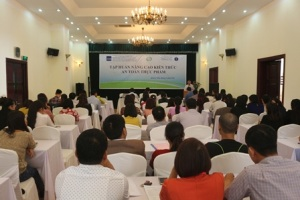 Hội nghị tập huấn về hệ thống giám sát an toàn vệ sinh thực phẩm tại Quảng Ninh