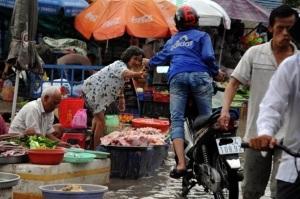 Phòng chống ngộ độc thực phẩm mùa bão lụt
