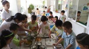 TP Hồ Chí Minh: Kiểm tra an toàn thực phẩm tại trường có bếp ăn bán trú
